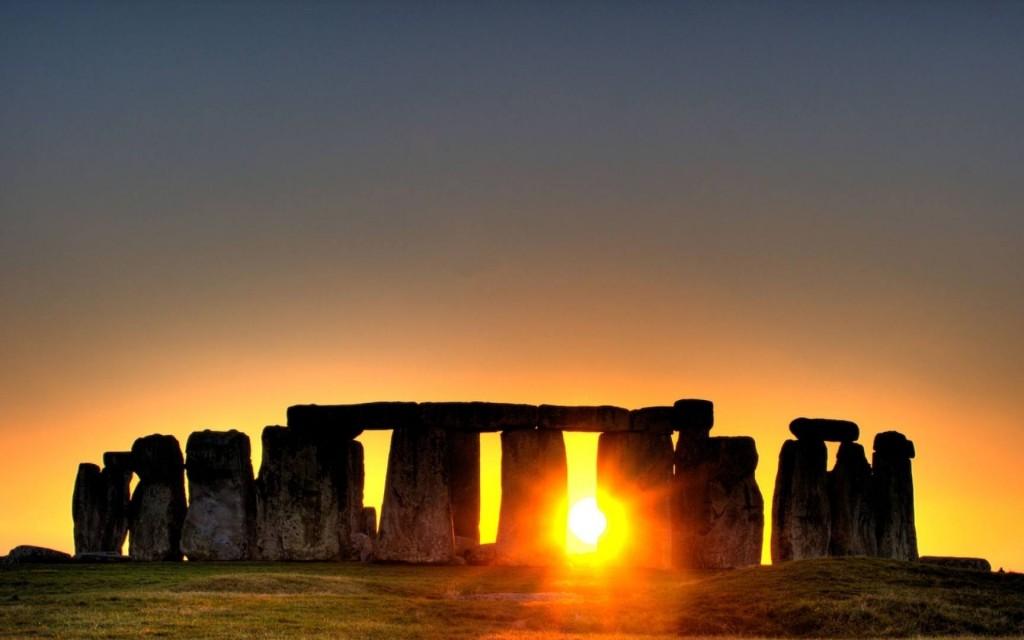 Zon op Stonehenge