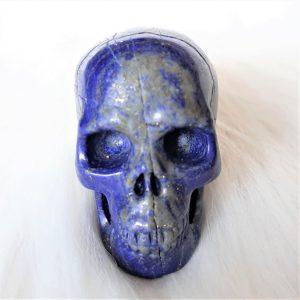 Lapis lazuli skull 5 cm hoog 108 gram - De Lichtkracht Academie.